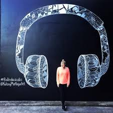 bolinda audio headphone mural