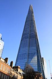 There are 11,000 glass panels covering the UK's tallest building!