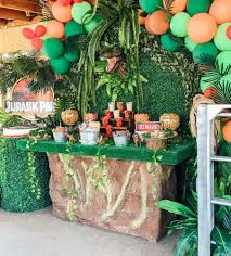 Jurassic Park Birthday Party Ideas | Photo 1 of 7 in 2020 | Jurassic park  birthday party, Dinosaur party decorations, Birthday party at park