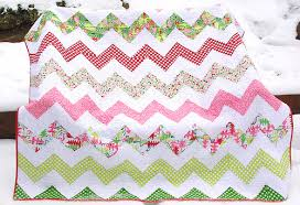 twiddletails: Where's that Zig Zag quilt? & Christmas Zig Zag Quilt Adamdwight.com