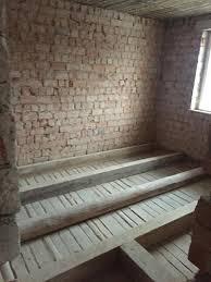 Der fußbodenaufbau… beim auszug aus einer wohnung wurden tiefe dellen im dielenfußboden festgestellt, die durch mehrjährige benutzung von stühlen entstanden sind. Die Ausgleiche
