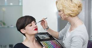what education is needed to bee a makeup artist best 2018