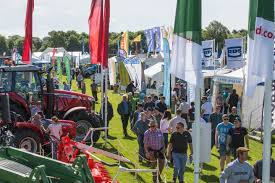 do you have s experience and an interest in agriculture and pig poultry fair grassland muck 2014 picture tim scrivener 07850 303986