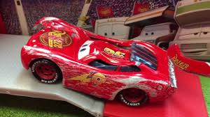cars 3 lightning mcqueen cast hauled away after crash in next generation piston cup racers