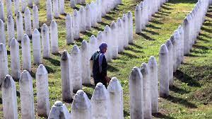 Projekt zum Srebrenica-Massaker: Damit niemand mehr den Tätern zujubelt |
