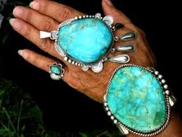 this is a fabulous old set the turquoise in the cuff is gorgeous