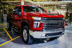2020 Chevy 3500 Towing Capacity Chart Chevrolet Highlights Features Of New Silverado Hd Lineup