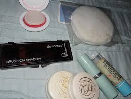 many people opt for a mixed bag of vine makeup you can pick up this seven retro makeup train
