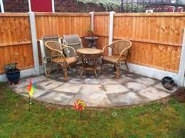 circular corner patio with rotunda