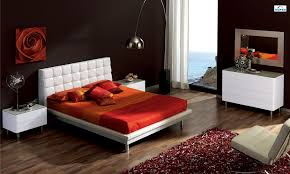 Bedroom:Brown And Red Bedroom Decorating Ideas With Chocolate Combination  Decor White Living Room Walls