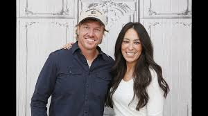 Emotional Chip, Joanna Gaines wrap up filming final episode of ...