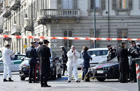 Sgozzato in centro a Torino, mistero sulla morte di un ...