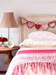 Perfect Best Bedroom Decorating Ideas For Valentineu0027s Day With Handmade Decorations