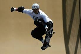 jason ellis skateboarding. jason ellis in a big air competition at the espn x-games 2004 skateboarding e