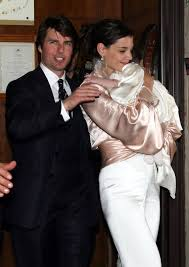 Kate has filed for divorce and tom is deeply saddened and is concentrating on his three children. Tom Cruise And Katie Holmes Wedding Pictures Popsugar Celebrity