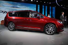 2018 chrysler pacifica interior. simple interior 2018 chrysler pacifica awd price to chrysler pacifica interior