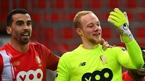 Le gardien du Standard Arnaud Bodart réagit à son incroyable but contre  Eupen: «Je n'aurais jamais imaginé ça dans ma carrière!» - Le Soir Plus