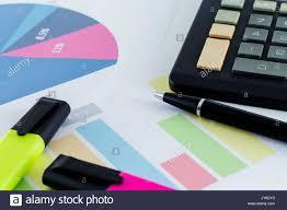 Kalkgrünes Büro 90er Jahre Alamy Buchhalter Buchhaltung Schreibtisch Büro Finanzbogen Finanzen Stockbild Viertelblatt Stockfotos Bilder