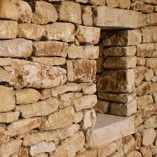 french limestone wall veneer closeup