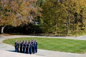 honoring veterans essay thank you letter to a veteran example  u s department of defense photo essay coast guardmen stand in an honor guard formation at the