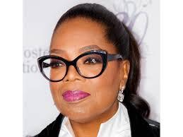 oprah winfrey wearing black frame gles