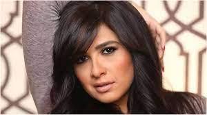 لميس الحديدي تثير القلق على صحة ياسمين عبد العزيز
