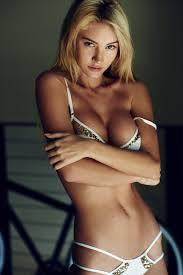 Sexy Nude Bryana Holly Boobs Hello Kisses