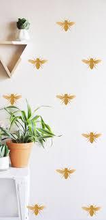 Honey Bee Wall Decal In 2019 Wallpaper Woonideeën Bijen En
