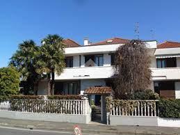 Villen zu kaufen Paderno Dugnano • Wikicasa