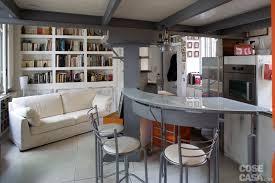 Casa piccola: 43 mq soppalco per studio e cabina armadio cose