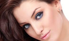 Permanentní Make Up Horních Očních Linek Od Zdravotní Sestry S