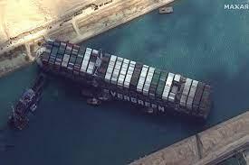 คลองสุเอซยังวิกฤต เรือสินค้าเกือบ 300 ลำรอผ่าน ติดเรือยักษ์ขวางทาง -  โพสต์ทูเดย์ รอบโลก