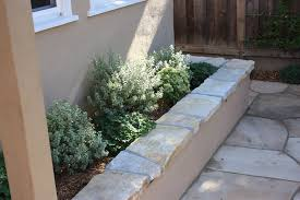 Stucco Retaining Wall Design Stucco Seating Wall With South Bay Quartzite Cap Stone