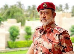 السلطان هيثم بن طارق.. ظهور جديد لسلطان عمان بالزي العسكري يلقى تفاعلاً  واسعاً (شاهد)   وطن يغرد خارج السرب