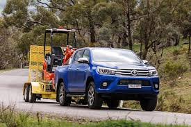 4x4 Load and Tow test comparison: 2016 Toyota Hilux review | 4X4 ...