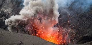 Sotto il vulcano - Il Tascabile