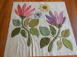 Appliqued Quilts & Flower Applique - Free Applique Pattern   Craft ... & Appliqued Quilts & 917 Best APPLIQUED QUILTS Images On Pinterest . Adamdwight.com