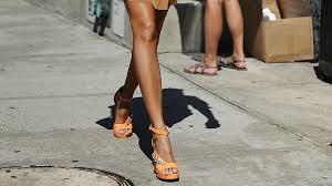 10 things you absolutely need to know before getting a spray tan