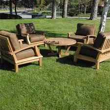 design of outdoor round coffee table with a bali chair round table 3 900x900