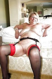 Naked chubby mature women pics