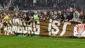 Pauli fans gegen rechts! (st. Erster Derbysieg Fur St Pauli Gegen Den Hsv Seit 1960 Fussball