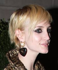 choppy blond messy hairstyle for thin hair