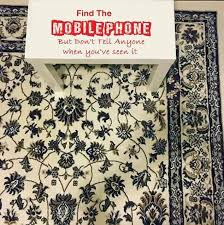 Hidden mobile on this carpet is driving the internet crazy
