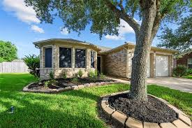 Sold: 11611 Cecil Summers Court, Houston, TX 77089 | 3 Beds / 2 Full Baths  | $252000