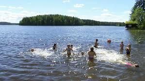 Kuvahaun tulos haulle uimassa
