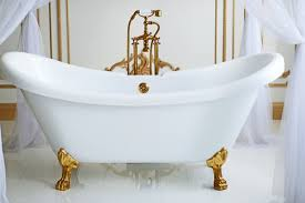 adding legs turned it into a tub eventually became regarded as a must have luxury item for the wealthiest homes in america the clawfoot bathtub