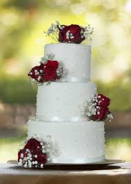 Wedding Cake Pure White And Red Roses