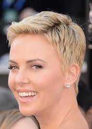 Resultado de imagem para 18 cortes de cabelos curtinhos das famosas