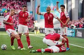 بالصور.. سقوط مفاجىء للاعب منتخب الدنمارك بالملعب خلال مباراة فنلندا في  يورو 2020 - CNN Arabic
