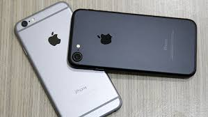 Apple Has Been Slowing Down Old Iphones And Users Arent Happy
